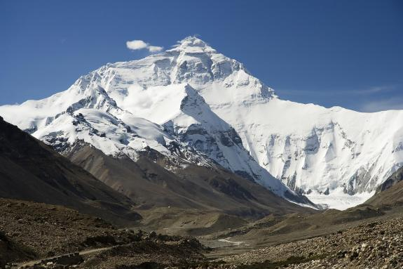 Himalaya Everest North Face toward Base Camp Tibet Luca Galuzzi 2006 edit 1